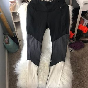 leggings with zipper pocket